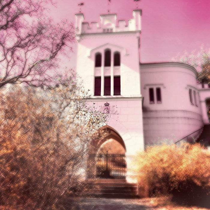 SOFTREALITY-TheCastle-Pink, 100 X 100 cm, til NETTSIDEN.jpg