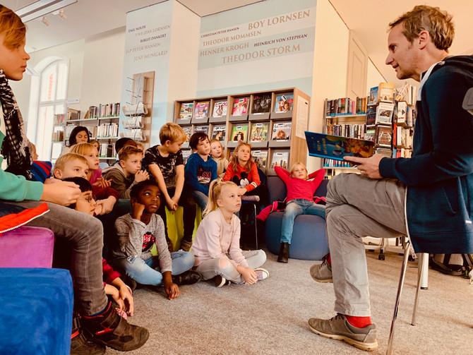 Party im Walfischbauch :Lesung in der Bibliothek