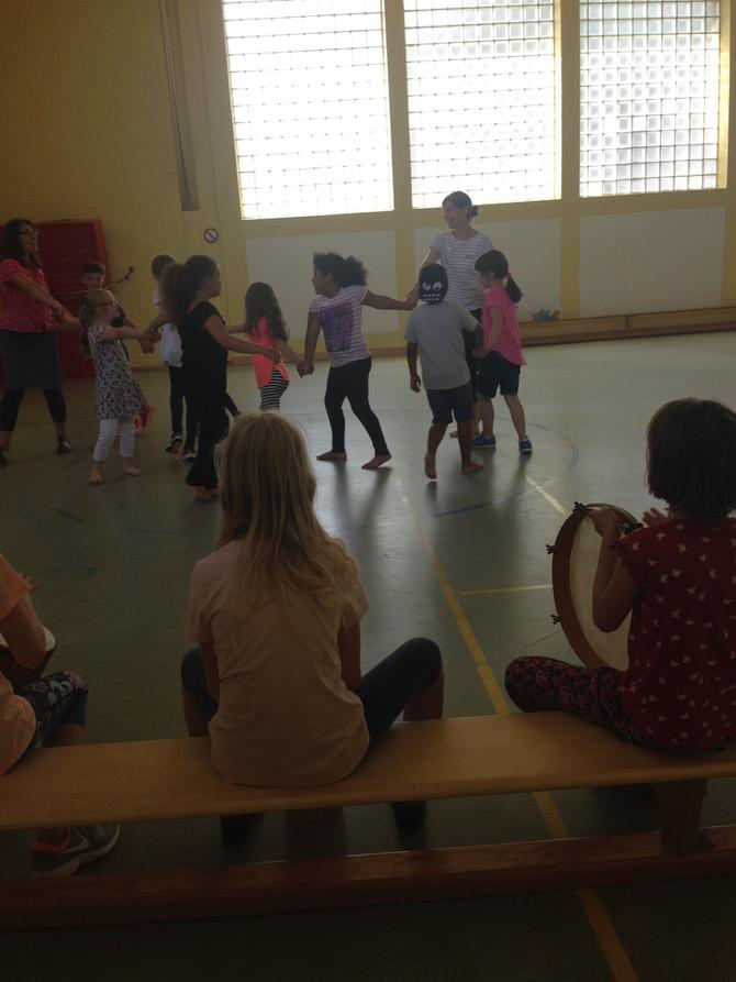 Projekt: Tanzen und Wolle