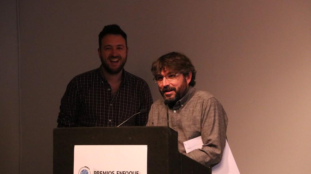 Juan Luis Sánchez y Jordi Évole. / Fuente: Premios Enfoque