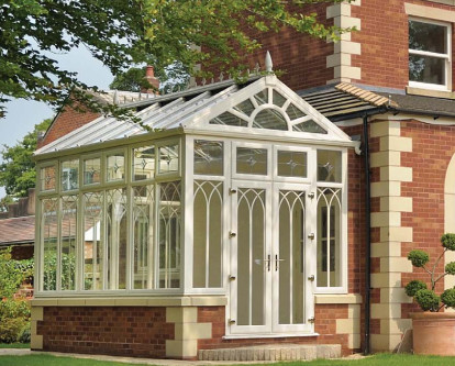 What's the difference between an orangery and a conservatory?