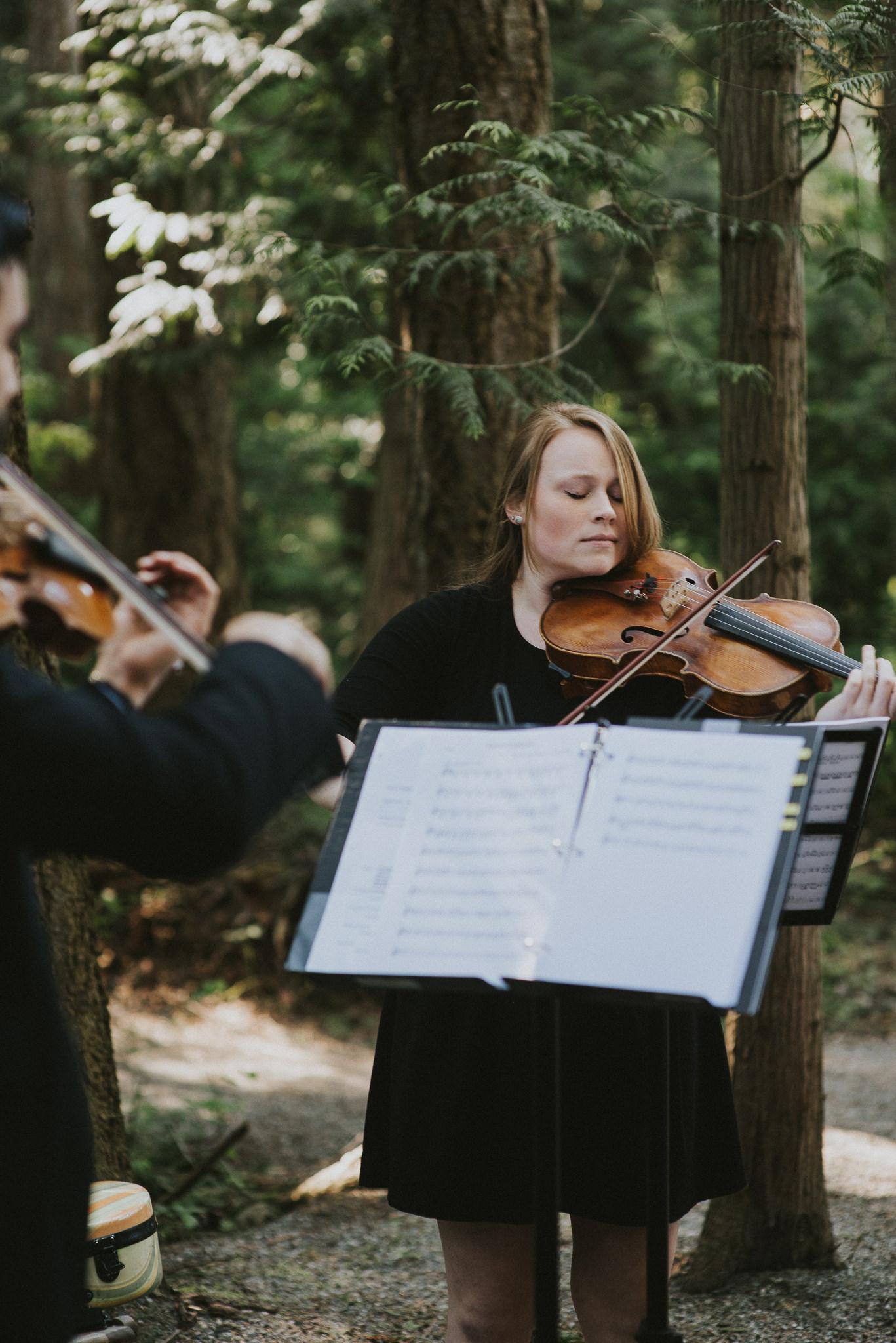 24-sea-cider-wedding-vancouver-island-stephian-web-4060