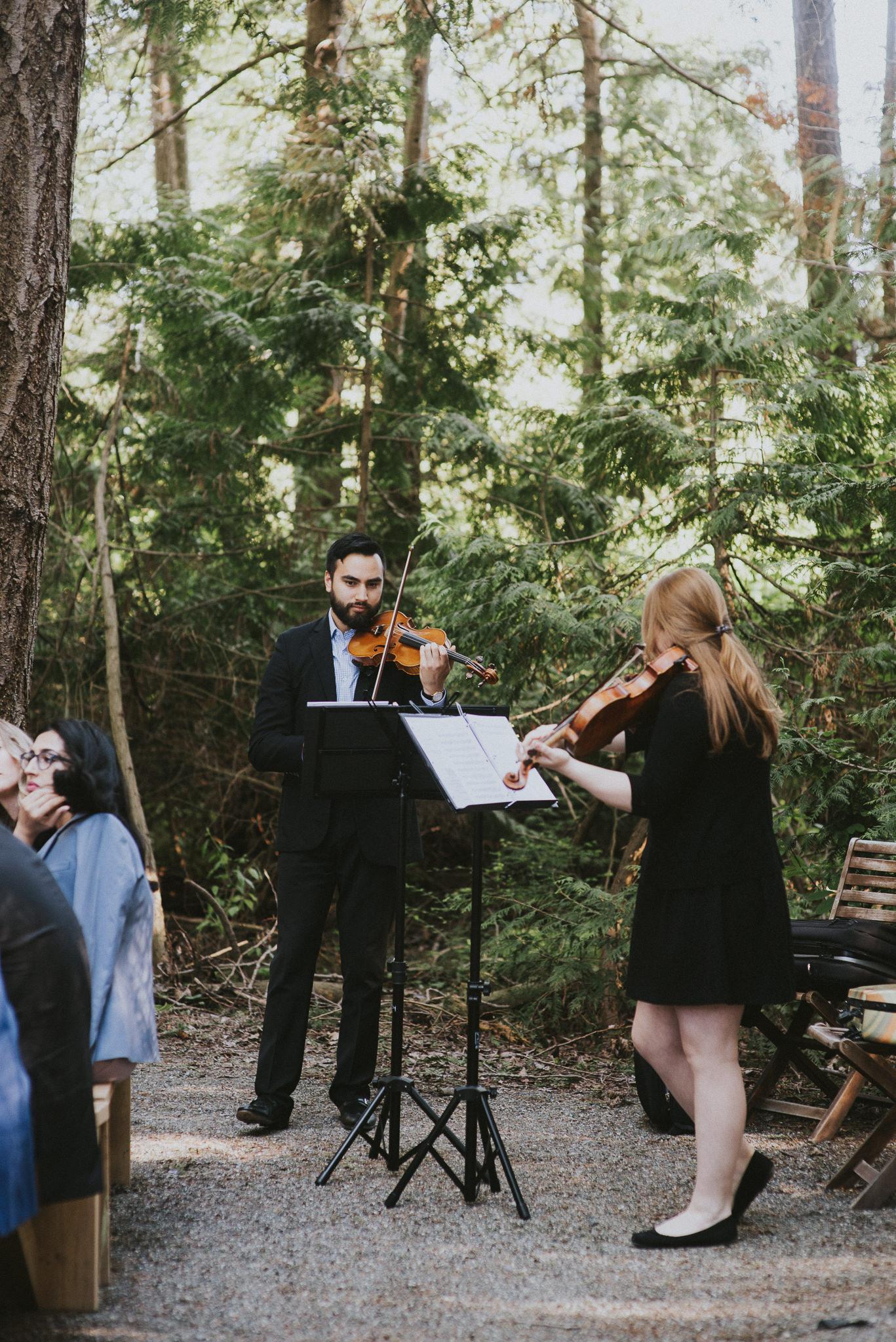 16-sea-cider-wedding-vancouver-island-stephian-web-4041