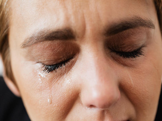 Handling Grief and Finances:  When a Spouse Is Very Ill or Has Just Died