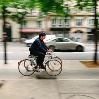 vélos piste cyclable, transport non polluant
