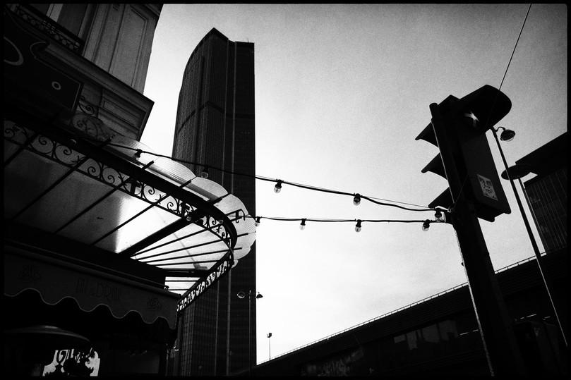 Laurent Delhourme - French Street Photographer - Paris - montparnasse