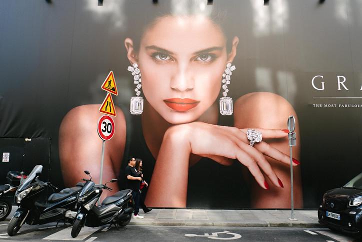 Laurent Delhourme - French Street Photography - Paris