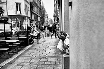 Laurent Delhourme - French street storyteller - Paris