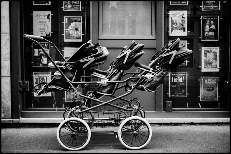 Laurent Delhourme - French Street Photographer - Paris - la poucette