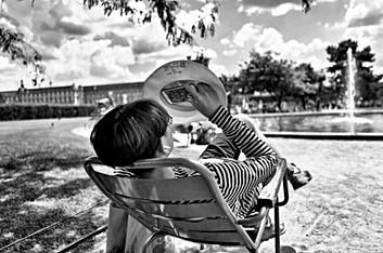 Laurent Delhourme - Streets Storytelling Photographer - Paris