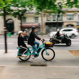 transport enfant en vélo, famille, liberté, villes aménagement urbain