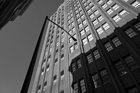 Rue de Manhattan, grosse pomme, buildings en briques, image graphique, tirage d'art monochrome, leica Q