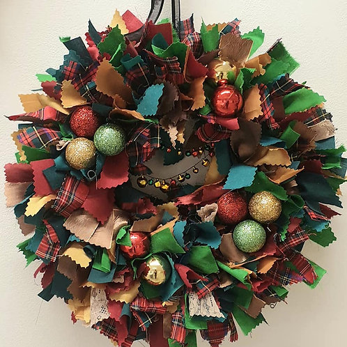 Festive Fabric Wreath - Gold and Tartan (Postage in UK))