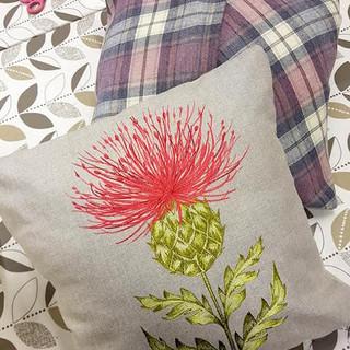 cushion small 3.jpg