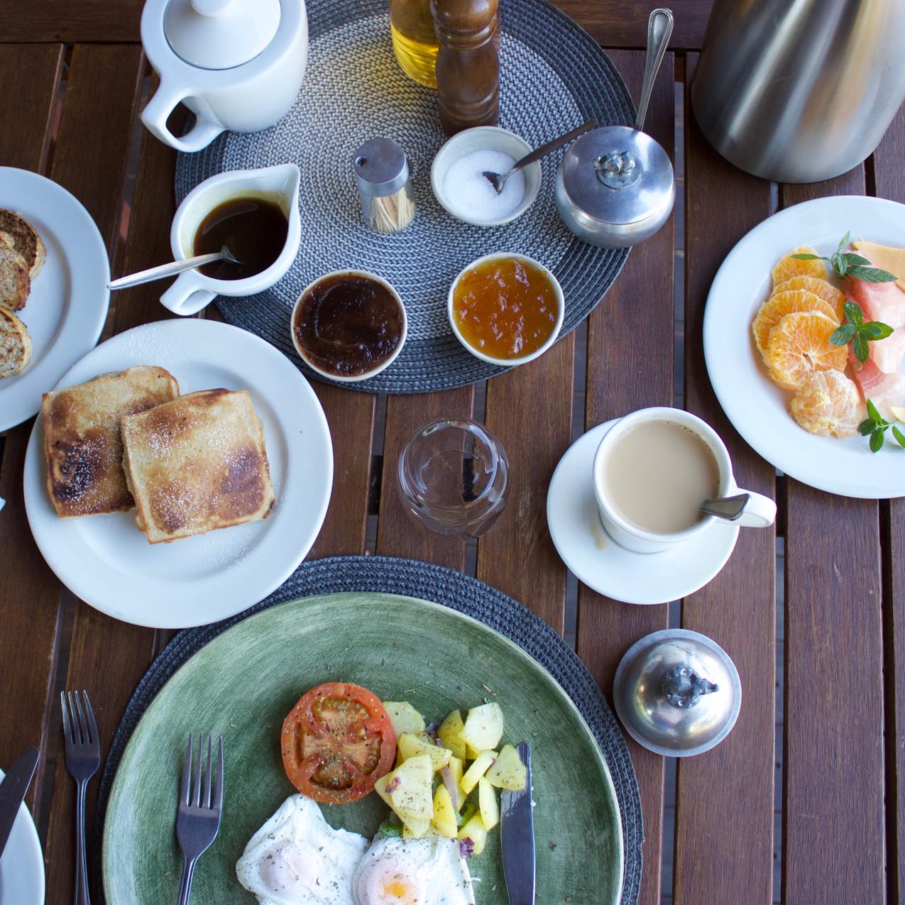 Breakfast at Elephant's Eye