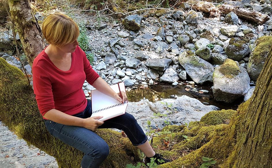 Artist Jodie Blaney sketching