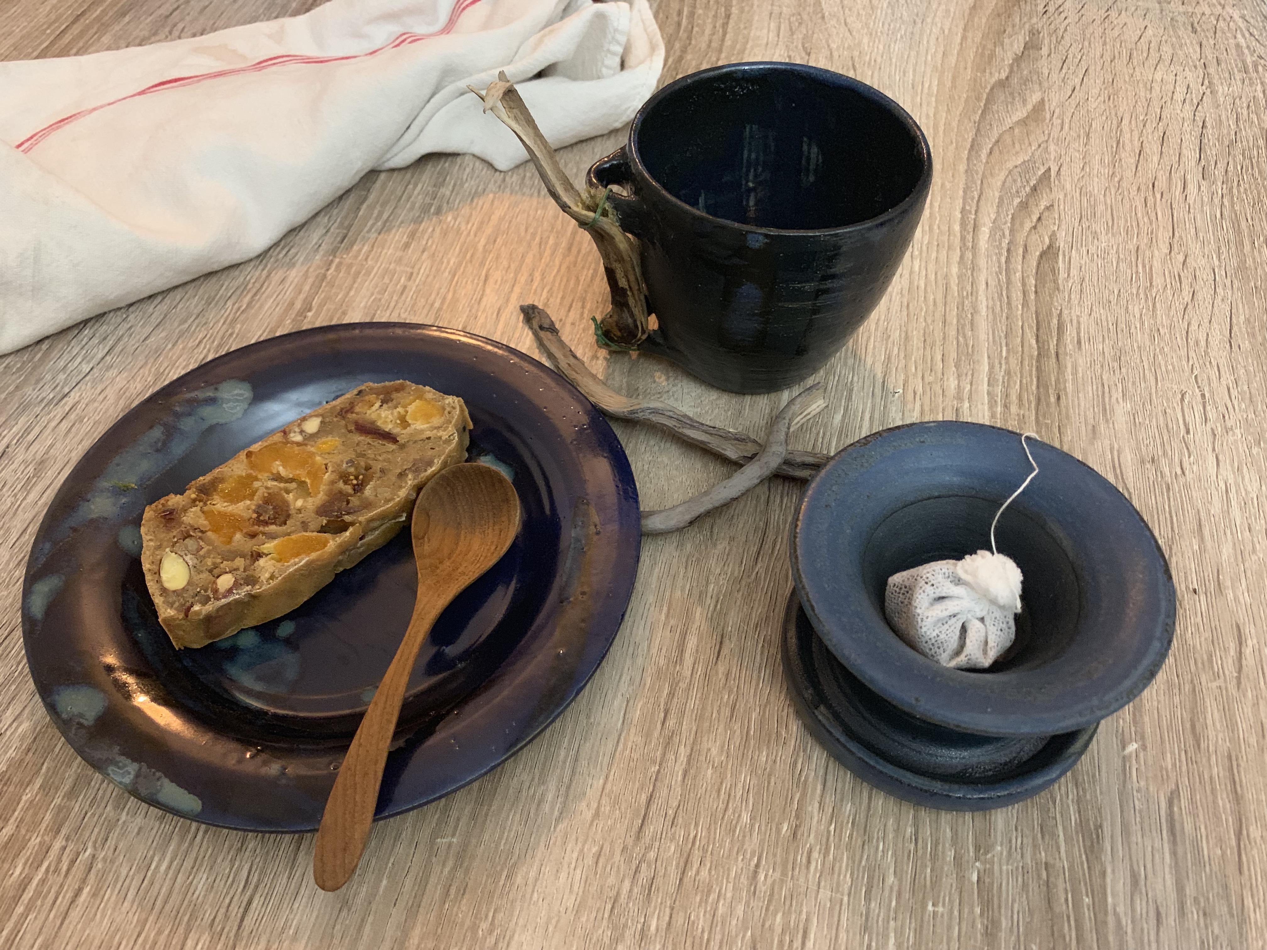 Assiette et tisanière en grès