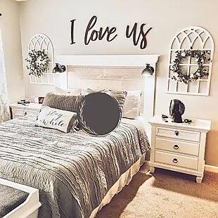 I love us - Huge Wall Script - DIY Letters