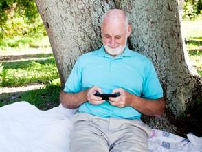 長輩擁抱通訊新科技  有助改善健康
