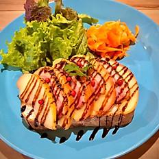 焼きリンゴと鴨肉のパストラミのスモーブロー