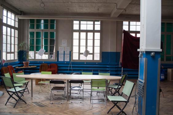 Salle Parker table.jpg