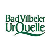 Bad Vilbler. Die Bad Vilbeler UrQuelle ist eines der herausragenden Mineralwässer. Die harmonische Verbindung der wertvollen Mineralstoffe und der geringe Gehalt an Kohlensäure machen die Bad Vilbeler UrQuelle so bekömmlich im Geschmack.