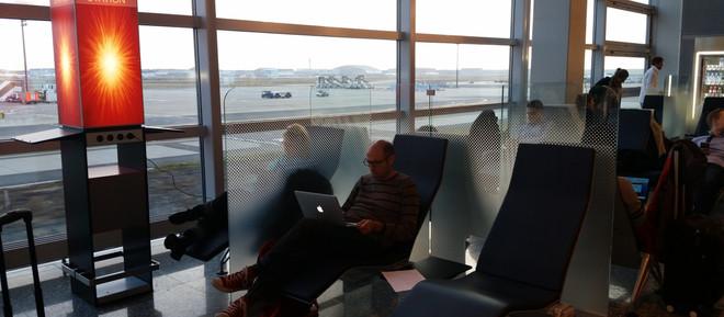 Τι πρέπει να ξέρετε αν ταξιδεύετε με αεροπλάνο – Τι προσφέρουν τα διεθνή αεροδρόμια