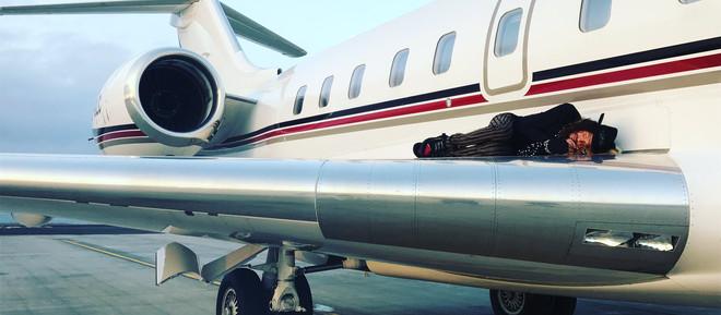 Steven Tyler: SMOOTH RIDE ON BOMBARDIER JET