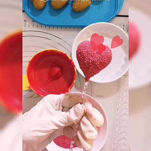 Valentines day cake pops.