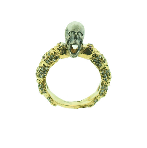 Screaming Skull Ring Gold Band with Diamonds