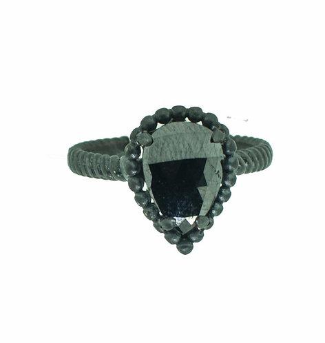 PITCHBLACK II PEAR SHAPE BLACK DIA RING