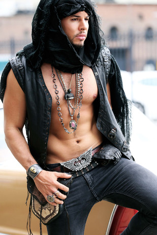 Mens-Necklaces-Belt-Buckle.jpg