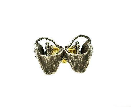 Hourglass Double Finger Skull Ring