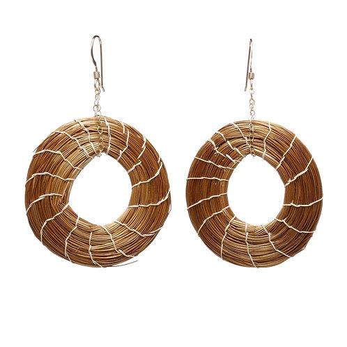 Golden grass open circle earrings