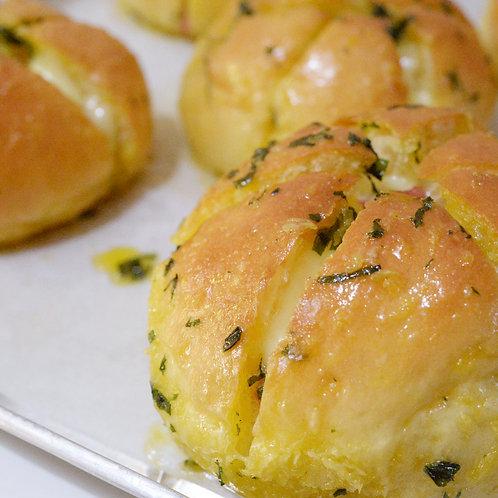 LUNA KITCHEN Korean Garlic Smoked Beef Cheese