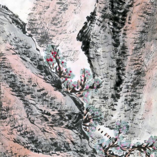 Valley Admist Tall Mountains 高山峡谷,
