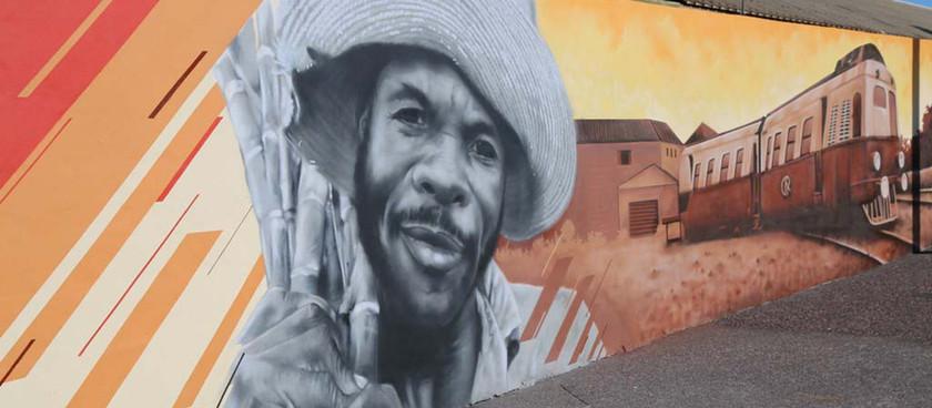 Une fresque de 500 mètres de long à Saint-Louis (RE)