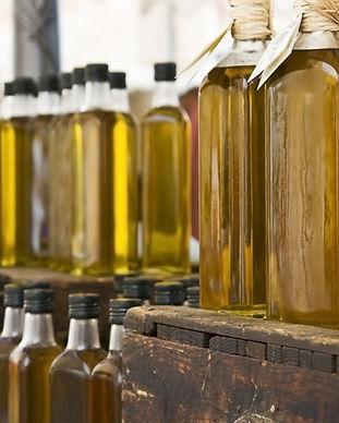 Butelki oliwy z oliwek