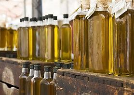 Bouteilles d'huiles d'olives Exposition Conférence Marseille MPG 2019