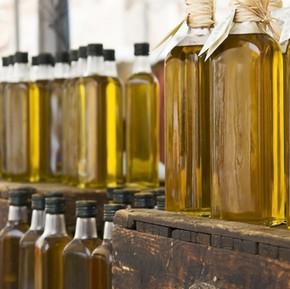 Bottiglie di olio di oliva