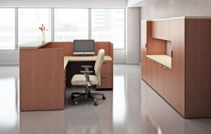 Compete desk series from AIS