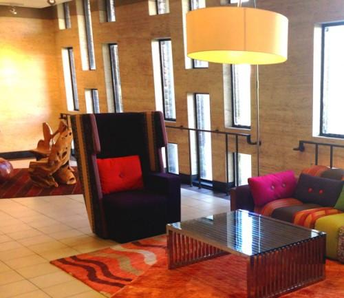 SCAD-WEB-Hong-Kong-Focal-Point-Chair-500x433.jpg