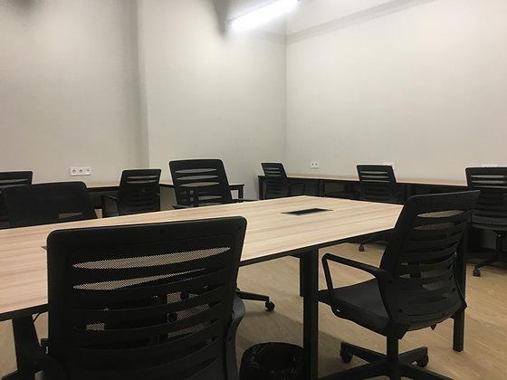 """Аренда отдельного офиса в коворкинге на 10 р.м. The Space на М """"Дарница"""""""