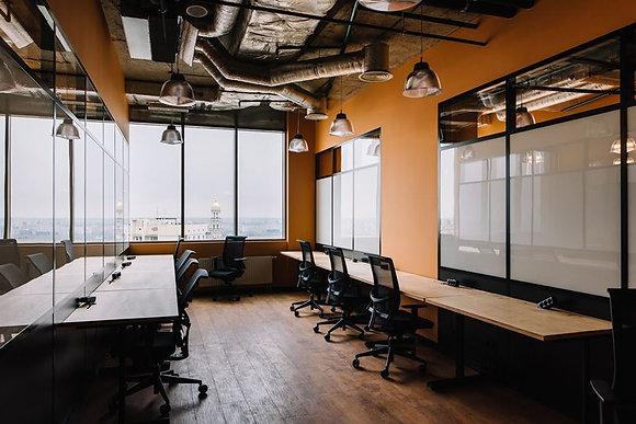 Офис  для команды из 6 человек. 19,1м2 в БЦ Сенатор
