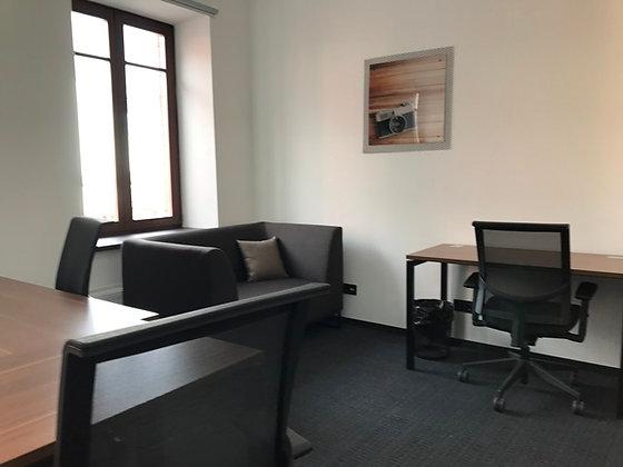 Оренда  офиса 40м2 в коворкинге возле Контрактовой пл. на 10-12 р.м.