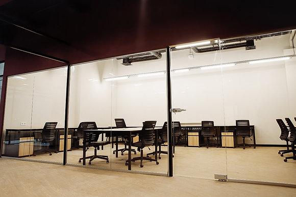 """Аренда отдельного офиса на 19 р.м. в коворкинге The Space на М """"Дарница"""""""