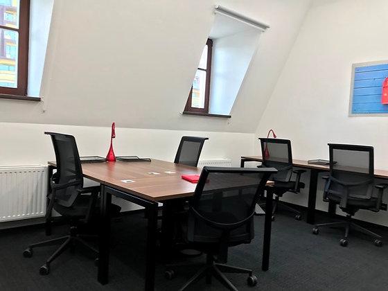 Гибкий офис 30м2 в коворкинге на Подоле на 8-10р.м.