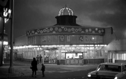 playland-carousel-night