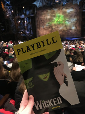 Review: Wicked starring Jackie Burns and Amanda Jane Cooper