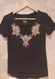 camiseta 100% algodao detalhe guipir